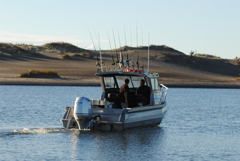 Fishmeister custom built for maximum fishing space for Fishing charters auckland